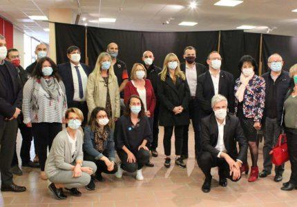 Quatorze joueurs et membres du staff ont accompagné les 40 bénévoles venus conditionner les masques achetés par la Région Auvergne Rhône-Alpes
